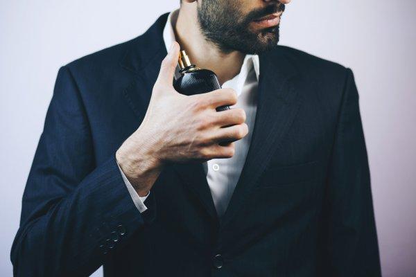 17+ Rekomendasi Parfum Pria Terbaik dengan Aroma Memikat, Buat Dirimu Tampil Percaya Diri! (2020)