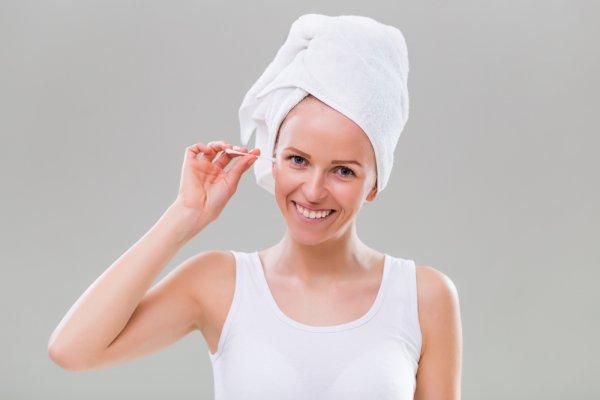 Masih Pakai Cotton Bud Membersihkan Telinga? Ini 9 Rekomendasi Alat Pembersih Telinga yang Aman Digunakan