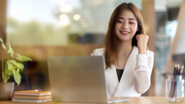 Kerja di Rumah Semakin Nyaman dengan10 Rekomendasi  Meja Kerja Terbaik (2020)