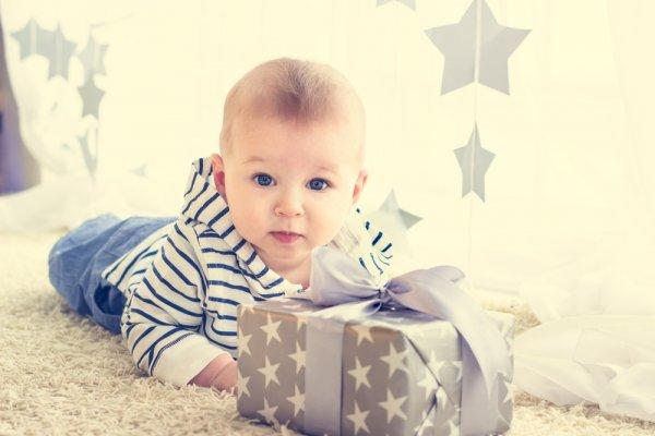 Berencana Merayakan Ulang Tahun? Inilah 8 Ide Kado untuk Bayi Laki-laki yang Paling Spesial (2020)