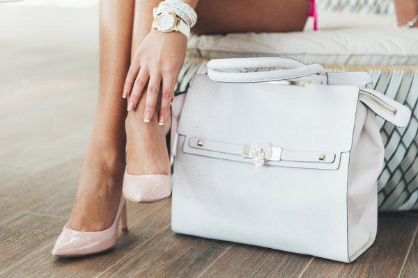 12 Produk Tas Simpel Tapi Modis untuk Menyempurnakan Penampilan Anda