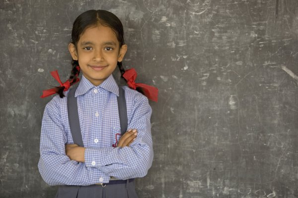 Ayo, Rayakan Kelulusan SD dengan 11 Ide Kado untuk Anak Perempuan Anda Ini