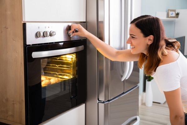 Punya Impian Menjadi Baker? Kamu Harus Punya Salah Satu dari 9 Rekomendasi Oven Listrik Ini