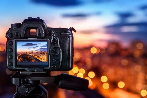 10 Pilihan Kamera Keren untuk Menemani Travelling Seru Kamu