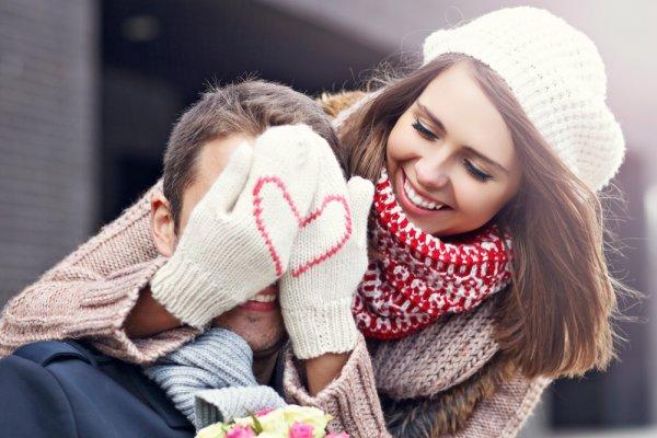 Bahagiakan Suami dengan 10 Rekomendasi Kado Valentine yang Membuatnya Makin Sayang (2021)