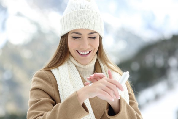 Take Care of Your Skin During Winter for Healthier and Vibrant Looking Skin. Here Are the Must-Have Winter Care Products for Good Skin and Hair (2020)