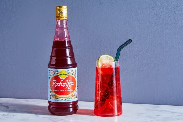 Still, Wondering How to Combat the Scorching Summer Heat with an Extraordinary Coolant(2020)? Quench Your Summer Thirst with the Variety of Mouthwatering Mocktail Recipes with Rooh Afza!