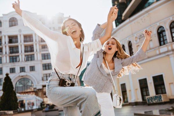 Tampil Cantik dan Trendi dengan 10 Rekomendasi Baju Atasan Terbaru yang Semakin Fashionable dan Stunning (2019)