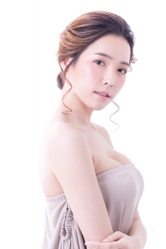 Tampil Chic dan Cantik dengan 10 Rekomendasi Produk Make Up ala Korea yang Trendi (2018)