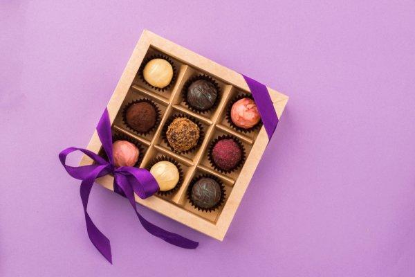Jangan Bingung Kasih Hadiah, Cek 10 Rekomendasi Kado Cokelat Ini untuk Orang Tersayang (2020)