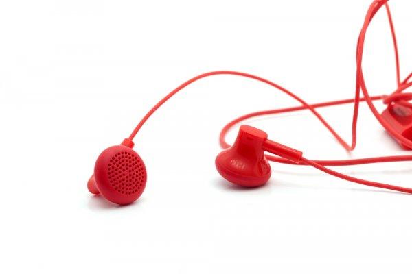 10 Earphone Murah Berkualitas dengan Harga di Bawah 300 Ribu Rupiah