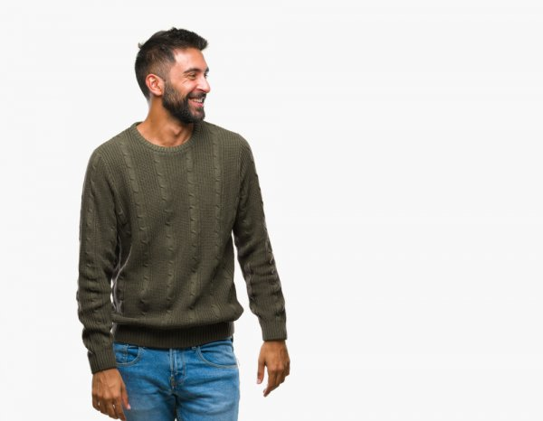 Tampil Trendi dengan 7 Rekomendasi Sweater Keren 2019 dengan Paduan Jeans untuk Pria