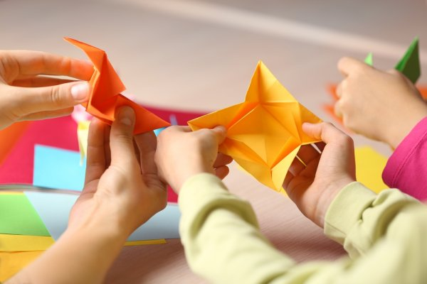 Mudah Kok, Ini Lho 3 Tips dan Cara Membuat 9+ Kerajinan Tangan 3 Dimensi Kreatif!