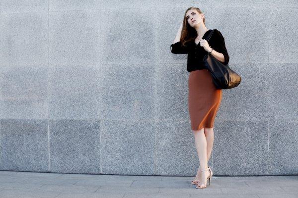 8 Model Atasan Cantik Yang Cocok Dipadankan Dengan Rok Span Favoritmu