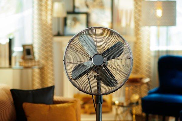 10 Rekomendasi Kipas Angin Remote untuk Memberikan Udara Sejuk di Rumah (2021)