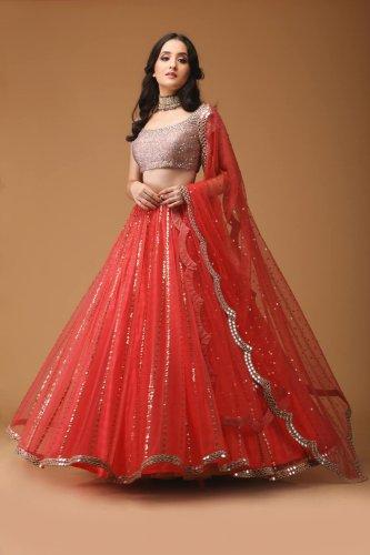 0eade58ab132c Embrace the Sweet and Sublime Concoction of Modish Fashion and Ethnicity   Choose from 10 Lehenga Cholis ...
