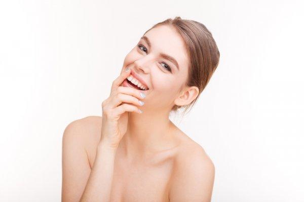 Kurangi Produk Pemutih Wajah dengan 15+ Cara Alami yang Bikin Wajah Putih Berseri