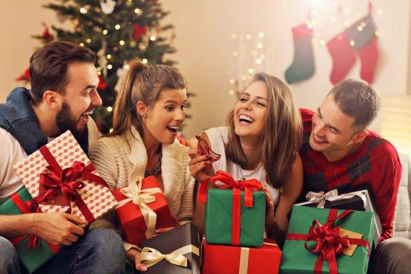 Meriahkan Acara Tukar Kado Saat Natal dengan 10 Ide Kado Natal yang Unik dan Bermanfaat