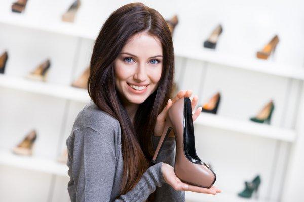 Dari Acara Formal sampai Kasual, 9 Rekomendasi Sepatu Pump Ini Cocok Banget Kamu Gunakan agar Tampilan Semakin Chic