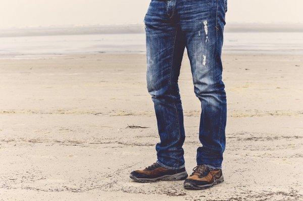 Dapatkan Berbagai Gaya Keren Baik Formal Maupun Kasual yang Oke dengan 10 Pilihan Jeans Denim Terbaru (2020)