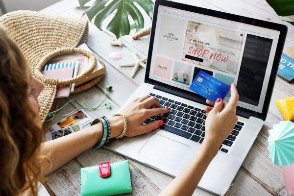 Mudahnya Belanja Produk Fashion di 9 Rekomendasi Online Store Ini