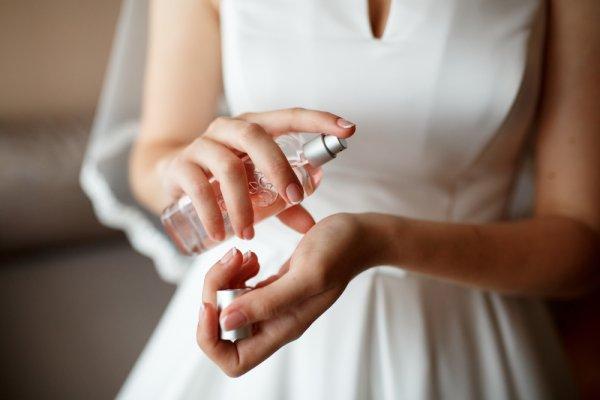 Ini Dia 10 Rekomendasi Parfum Wanita yang Digemari Sepanjang Masa!
