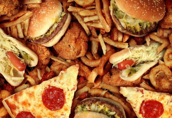 Tips Makan Junk Food yang Aman dan Rekomendasi 10+ Tempat Makan Junk Food yang Paling Mantap Rasanya