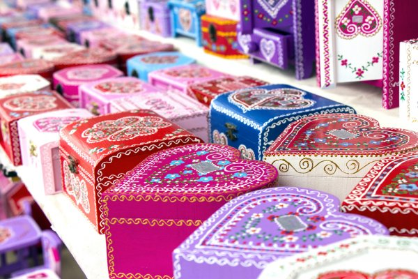 Makin Cantik, Ini 8 Rekomendasi Kotak Souvenir yang Mempercantik Souvenir Kamu