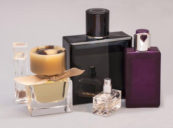 10 Rekomendasi Parfum Import Pria yang Paling Laris di Indonesia dengan Aroma Eksklusif dan Tahan Lama (2019)