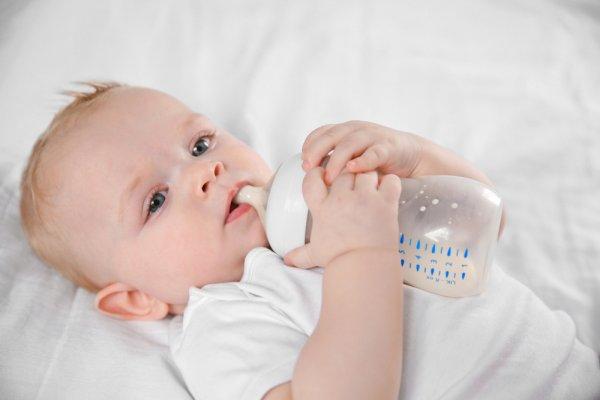10 Botol Kaca yang Aman untuk Menyimpan ASI Perah bagi Si Kecil (2020)