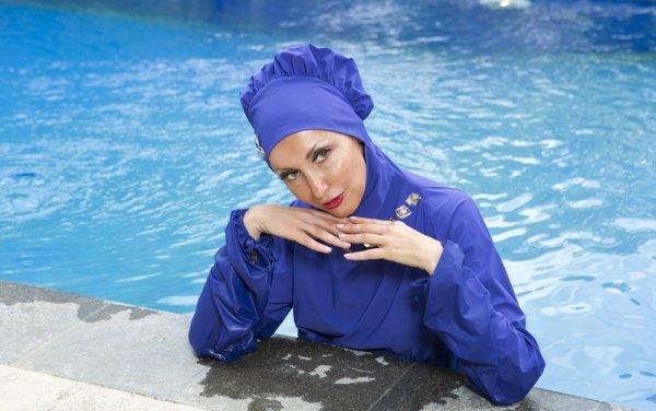 Cantik Dan Modis Saat Berenang Dengan 9 Rekomendasi Baju Renang Wanita  Muslimah Syar i 96d9a5f88f