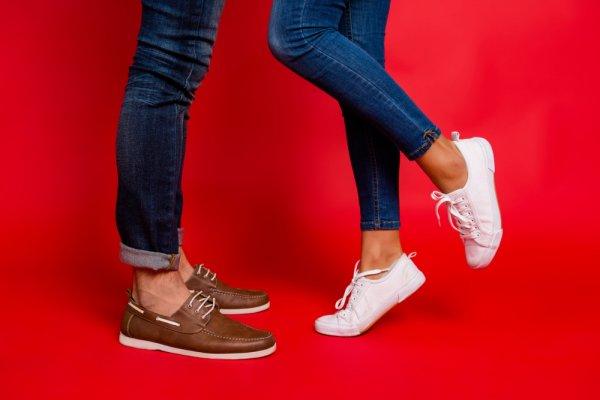 10 Rekomendasi Sepatu Model Terkini untuk Pria dan Wanita yang Jadikan Gaya Kamu Semakin Trendi
