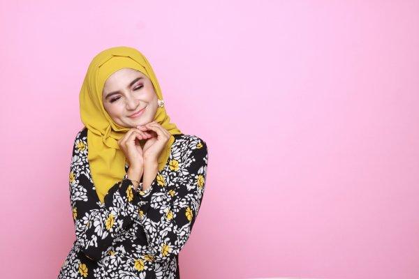 Tetap Sejuk Dan Cantik Di Segala Aktivitas Dengan 8 Model Baju Muslim Katun Jepang
