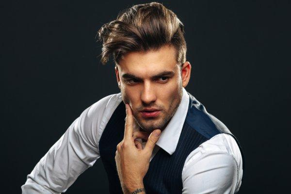 10 Rekomendasi Gaya Rambut Pria yang Tren di Sepanjang Tahun 2020
