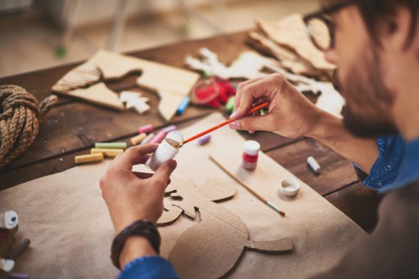 10 Rekomendasi Ide Bisnis Barang-barang Kerajinan Tangan yang Unik (2018)