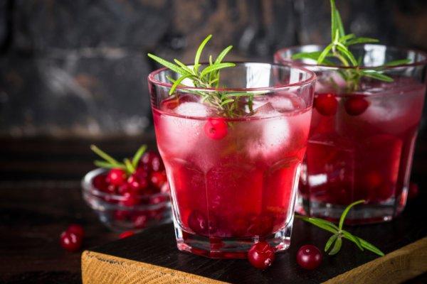 Rasakan 9 Rekomendasi Minuman Vodka Campuran yang Tak Kalah Nikmat