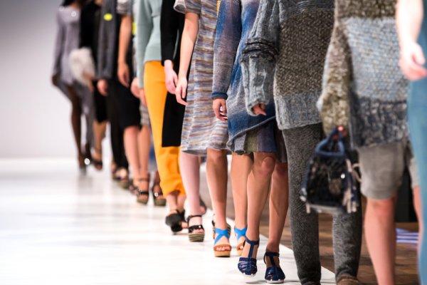 Fashion Indonesia Berkembang Pesat! 10 Brand Fashion Asli Indonesia Ini  Terkenal sampai ke Mancanegara 8900525b04