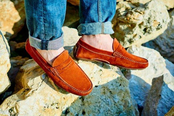 Tampil Percaya Diri dengan 8 Pilihan Sepatu Slip On Untuk Aktivitas Sehari-hari