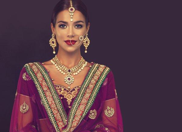 9 Aksesoris India yang Bikin Penampilanmu Mirip Artis Bollywood