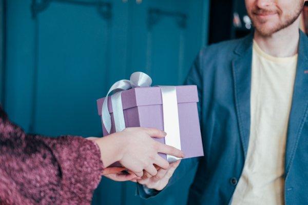 高校生 友達 誕 プレ 【1000円~3000円】女友達へのプレゼントランキング!