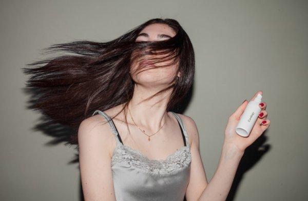 Pertahankan Style Rambutmu Sepanjang Hari dengan 10 Rekomendasi Produk Hair Spray Pilihan BP-Guide! (2020)
