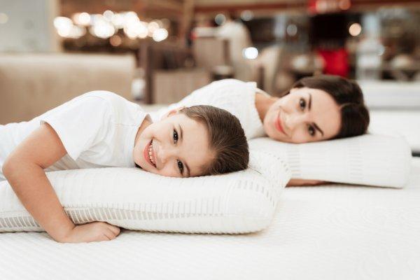 Lebih Sehat dan Antidengkur, Inilah 10 Rekomendasi Bantal Memory Foam Rekomendasi BP-Guide untuk Tidur Berkualitas