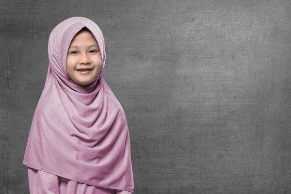 Rekomendasi 9 Baju Hijab Anak Terbaru yang Trendi dan Ceria