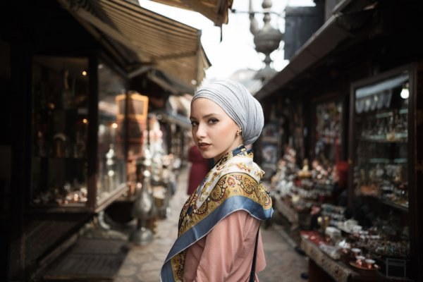 Inilah 10 Hijab Elegan yang Bisa Kamu Pakai untuk ke Pesta