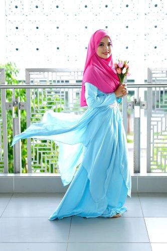 Bergaya Cantik Nan Anggun dengan Busana Muslim Khas Turki dan 7+ Inspirasi Padupadannya