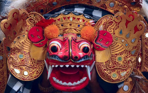 Seluk Beluk Tari Topeng Bali dan 8 Rekomendasi Topeng Bali untuk Cendera Mata (2020)
