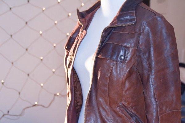 8 Rekomendasi Jas dan Jaket Kulit Pria agar Kamu Jadi Lebih Gagah dan Percaya Diri (2019)
