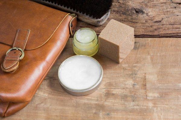 Rawat Tas Kulitmu Agar Tetap Awet dengan 10 Rekomendasi Pembersih Tas Kulit yang Tepat