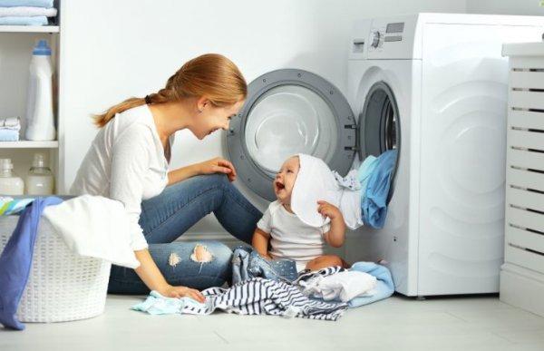 Ketahui Cara Mencuci Baju Bayi yang Benar dan 10 Rekomendasi Deterjen Khusus Bayi yang Aman Digunakan