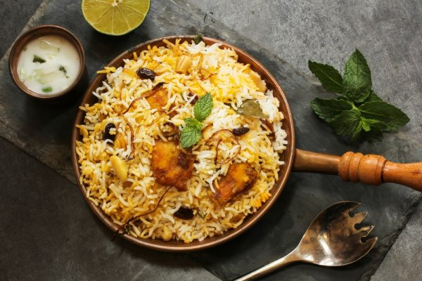Visit Eat Street in Hyderabad: Top 10 Delicacies of Hyderabadi Street Food That are a Must Try for Anyone Visiting the City of Nizams (2020)